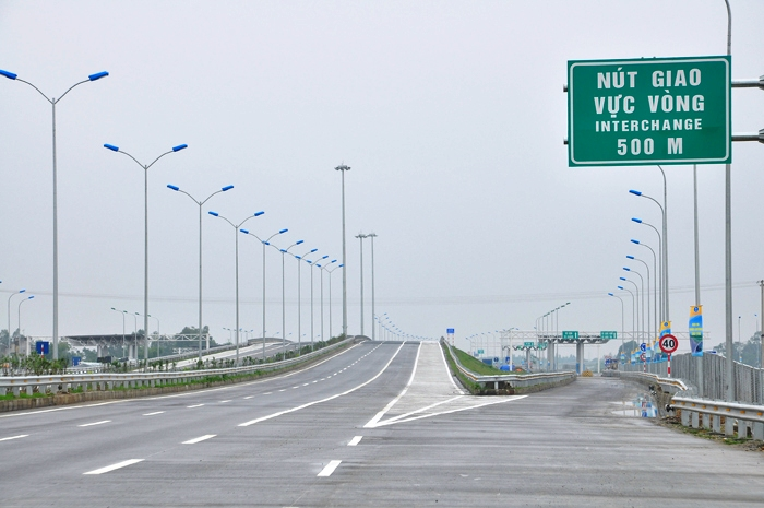 Quy chuẩn quy định về hệ thống báo hiệu áp dụng cho tất cả các tuyến đường bộ trong mạng lưới đường bộ Việt Nam